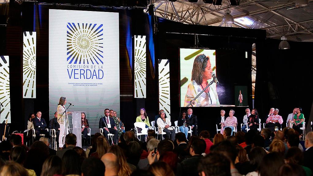 Comisión de la Verdad inició mandato con el respaldo de las víctimas |  VerdadAbierta.com